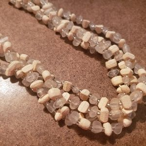 Jewelry - Shell and clear plastic necklace